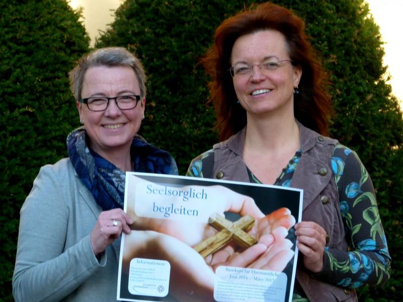 Leiten einen Kurs Seelsorgreausbildung für Ehrenamtliche: Das Foto zeigt die beiden Pfarrerin Kerstin Goldbeck und Kerstin Duchow (l.) und ist zur Verwendung frei.. (Foto: (Kirchenkreis)