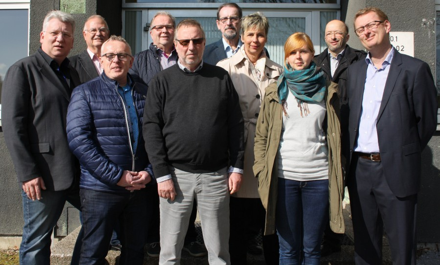 (v.l.n.r.): Hartmut Ganzke MdL, Theodor Rieke, Michael Klimziak, Rudi Grümme, Michael Lihl, Jens-Uwe Schmiedgen, Bürgermeisterin Ulrike Drossel, Sina Rumpke, Uwe Detlefsen, Oliver Kaczmarek MdB