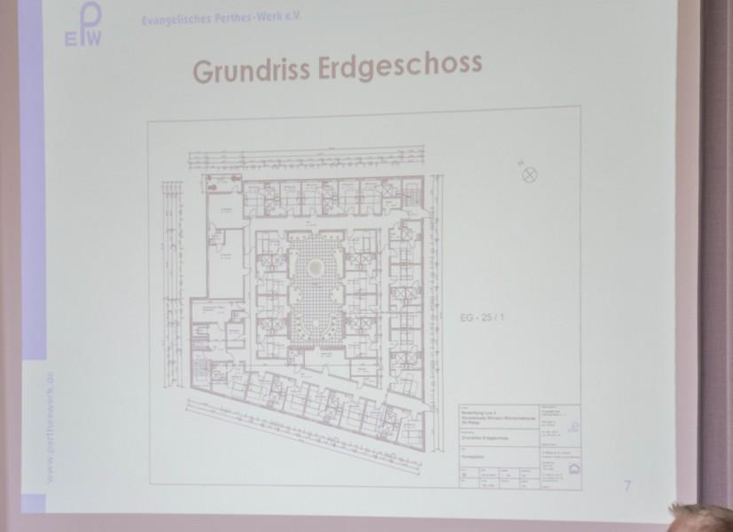 Noc h ekine baureife Planung, aber immerhin eine detaillierte Skizze des geplanten Grundirsses desr neuen Einrchtung. (Foto: peter Gräber)