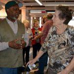 Krimininalprävention: Seniorenberater informieren im Modehaus Adler