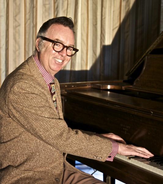 Begle8itet Jörg Hegemann am Piano: Carl Sonny Leyland. (Foto: Agentur)
