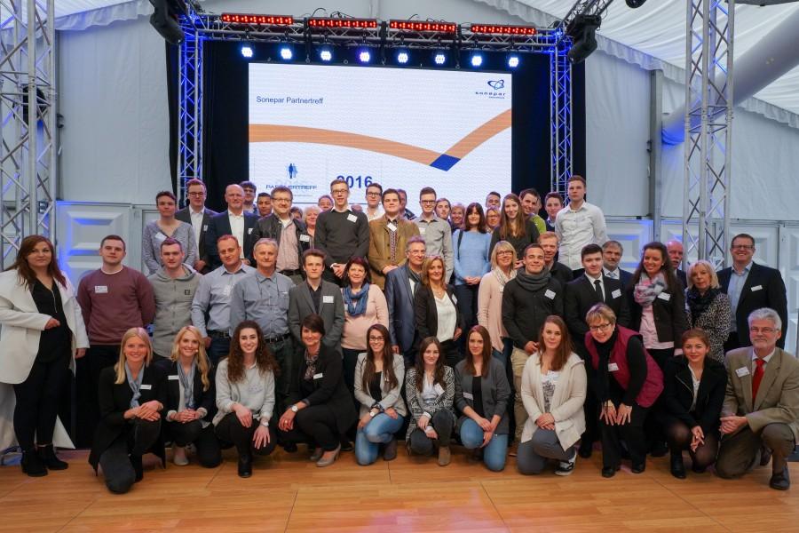 Das Sonepar-Team bot seinen Gästen in der Jahrhunderthalle in Bochum wichtige Informationen und eine großartige Gelegenheit zum Netzwerken. (Foto: Sonepar)