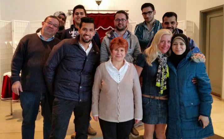 Kultureller Beitrag zur Integration: 19 Flüchtlinge aus Syrien und Eritrea besuchten eine Synagoge in Unna.
