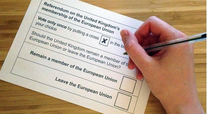 So sah er aus, der Abstimmungszettel, mit dem sich die deutliche Mehrheit in Holzwickedes Partrnerstadt für den EU-Austritt entschieden hat.