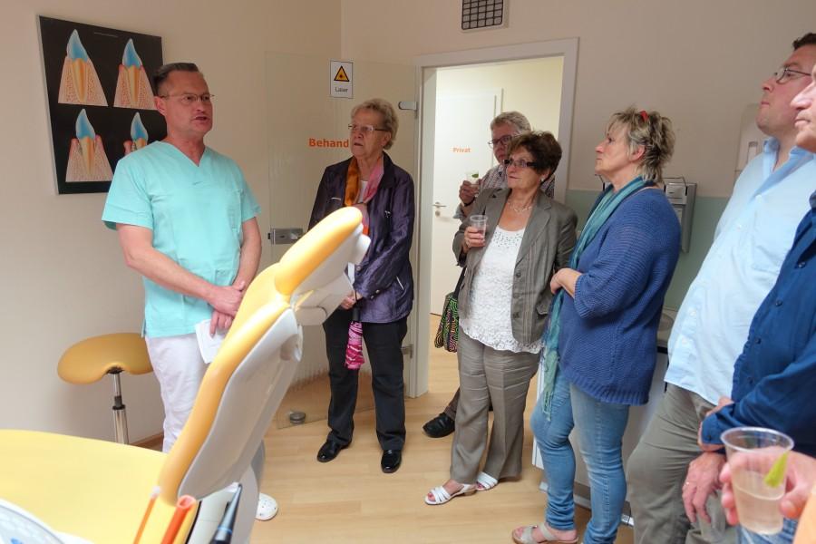 Der CDU-Vorstand bei seinem Besuch bei Zahnarzt Dr. Deterding.- (Foto: privat)