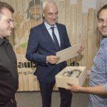 NRW-Wirtschaftsminister Garrelt Duin auf Stippviste bei den Urlaubsgurus