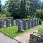 Gemeinde ermöglicht würdevolle Urnenbeisetzung in Grabstelen