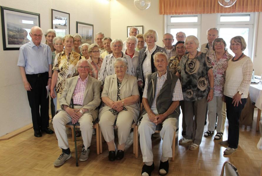 Der Trägerverein der Senioren-Begegnungsstätte hatte die im Monat Mai und Juni geborenen Mitglieder zu einer Geburtstagsnacvhfeier eingeladen. (Foto: privat)