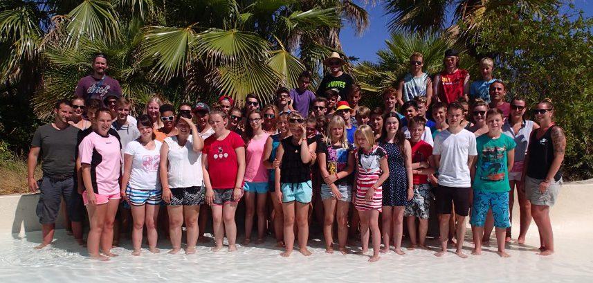 42 Kinder und Jugendliche verbrachten zwei aufregende Wochen an der Costa Brava. Bereits seit 18 Jahren besuchen die Gruppen des Kreises Unna denselben Campingplatz. Foto: Kreis Unna