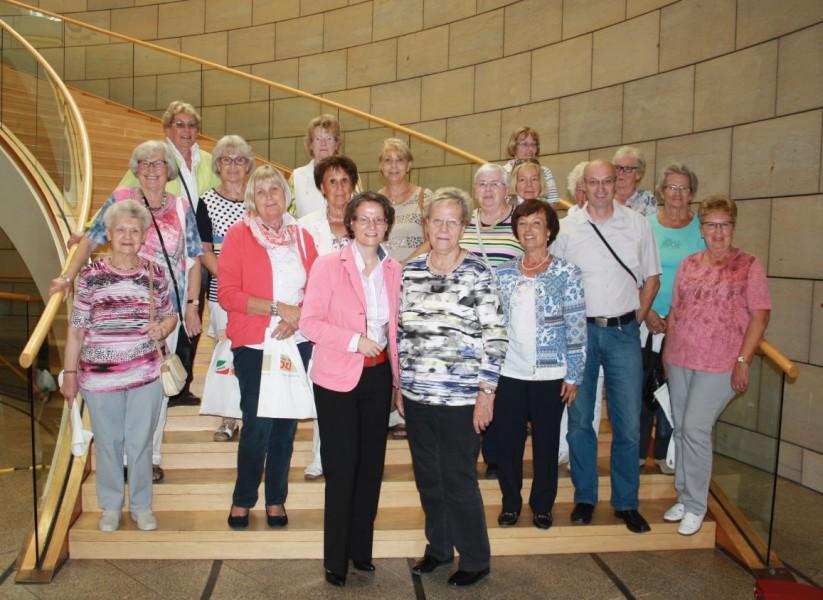 Die Frauenunion Holzwickede bei ihrem besuch im Düsseldorfer Landtag. (Foto: privat)