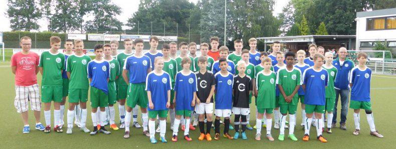 """Die All Stars-Teams der Jugend der Spielvereinigung Holzwickede trafen in einem Saisonabschlussspiel aufeinander. Das Team """"Grün"""" siegte mit 9 : 6 gegen das Team """"Blau"""". Foto: HSC)"""