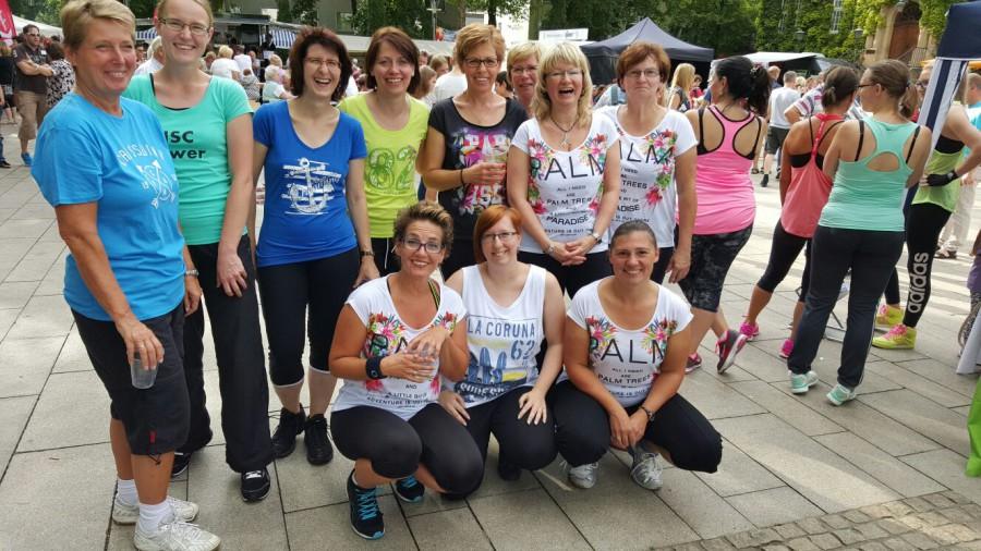 Karin Heintze mit ihren Zumba-Mädels werden auch beim Holzwickeder Sommer am Samstag wieder dabei sein., (Foto: privat)