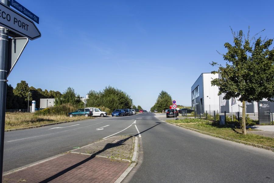 Wird jetzt ausgebaut: die Gottfried-Daimler-Straße im Eco Port. (Foto: P. Gräber)