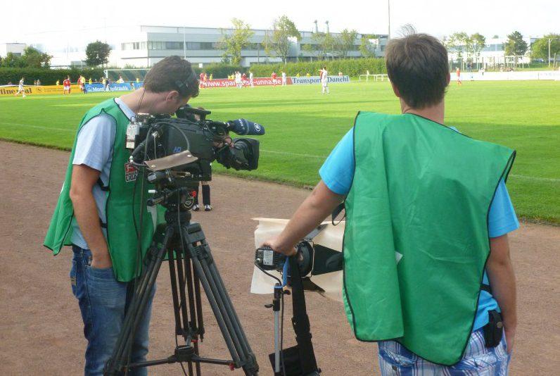 Und wieder surren die Kameras live im Holzwickeder Montanhydraulik-Stadion. Am Dienstag, 27. September, wird das UEFA Youth-League-Spiel der U 19 von Borussia Dortmund gegen Real Madrid live um 18 Uhr auf Eurosport gezeigt.