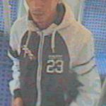 Diebstahl im RE 10988: Polizei fahndet mit Lichtbildern
