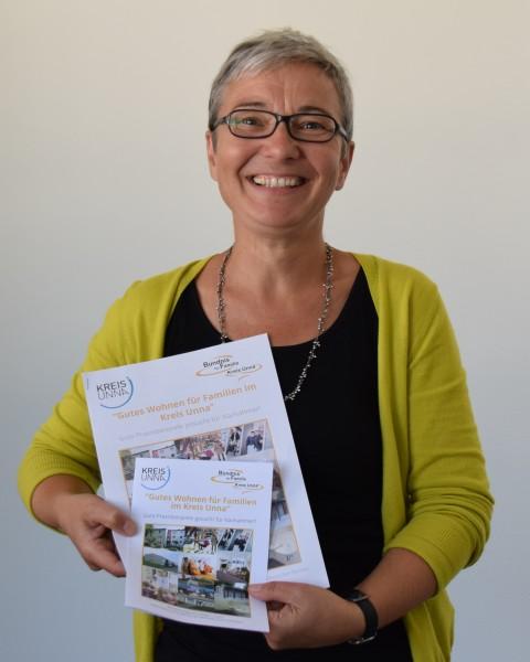 Anna Musinszki kümmert sich um die Organisation des Wettbewerbes. (Foto: C. Rauert – Kreis Unna)