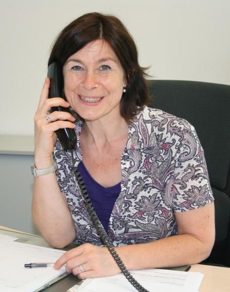"Pflegeberaterin Andrea Schulte hilft übers ""Infotelefon Demenz"". Foto C. Rauert – Kreis Unna"