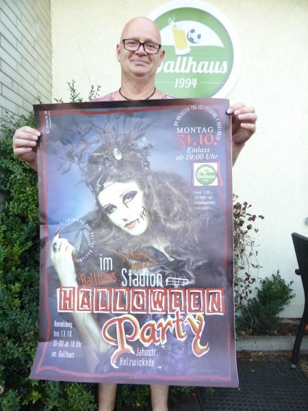 Ballhauswirt Torsten Potyka organisiert die 1. Halloween-Party im Ballhaus im Holzwickeder Montanhydraulik-Stadion