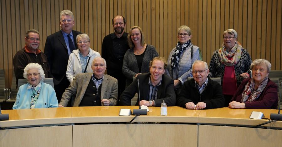 Die Holzwickeder Sozialdemokrarten mit Hart Mut Ganzke (SPD-MdL) im Düsseldorfer Landtag. (Foto: privat)