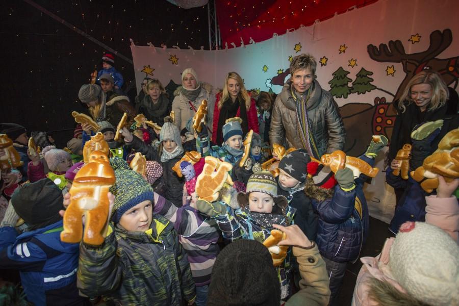 Am kommenden Freutag ist es wieder soweit: Bürfgermeisterin Ulrike Drossel wird den 30. Holzwickeder Weihnachtsmarkt eröffnen. (Foto: P. Gräber - Emscherblog)