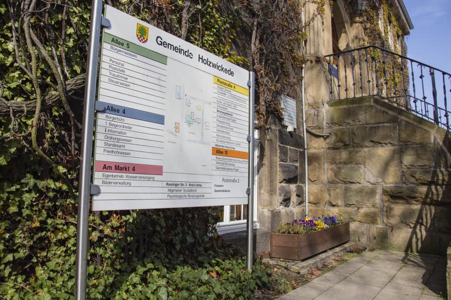 Die Verwaltungsspitze lässt derzeit untersuchen, wie es um die Arbeitsprozesse und das Betriebsklima im Rathaus und der übrigen Verwaltung bestellt ist. (Foto: P. Gräber - Emscherblog.de)