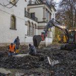 Baufirma setzt Fundamente für Außenterrasse am Haus Opherdicke