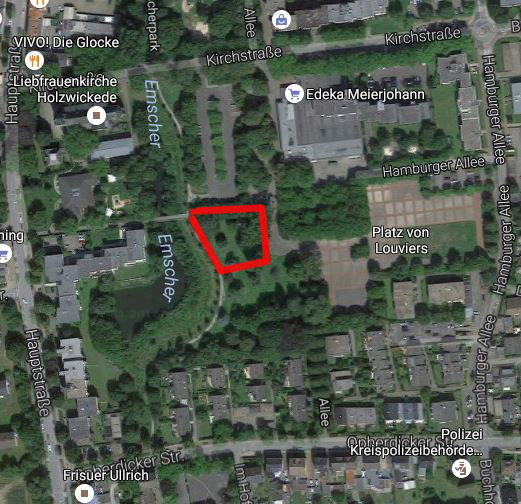 An diesem Standort mim südlichen Enscherpark (rot markiert)M will die SPD den neuen Kindergarten errichten lassen. Die Verkehrserschließung erfolgt über den Edeka-Parkplatz. (Googlemaps.de)
