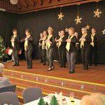 Stimmungsvolle vorweihnachtliche Feier für Senioren im Forum