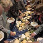 Jahreshauptversammlung des Freundeskreises klingt mit Käsebuffet aus