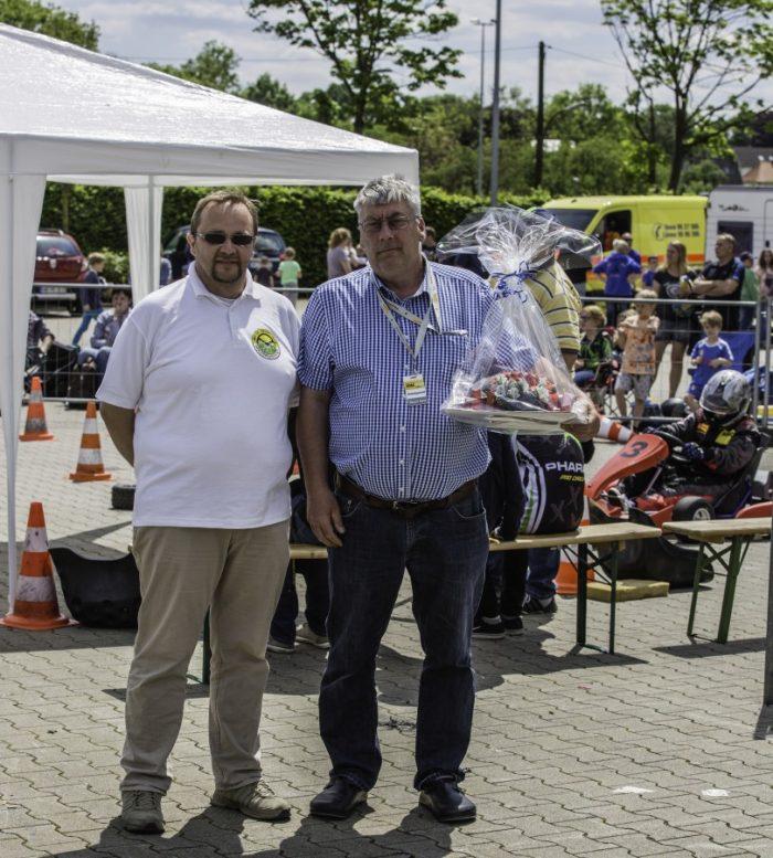 Der langjährige Jugendwart des MSC, Martin Jauer (r.), wurde heute im Rahmen der Veranstaltung geehrt. Das Foto zeigt Martin Jauer mit seinem Nachfolger im Amt, Guido Zimmermann. (Foto: P. Gräber - Emscherblog.de)