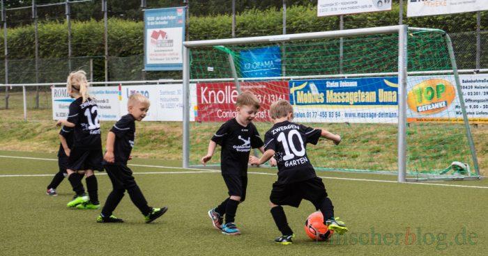 Das Team Zwergengarten bewies beim Kindergarten-Cup, dass im Fußball Körpergröße nicht alles ist. (Foto: P. Gräber - Emscherblog.de)
