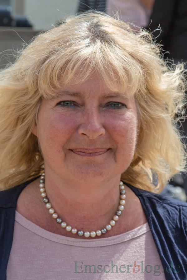 Dipl.-Sozialpädagogin Iris Lehmann (Wohneratung) Ökumenischen Zentrale