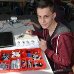 Robotik und Useless-Box: Zwei Ferienkurse des zdi-Netzwerks Perspektive Technik