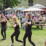 Ev. Gemeinde feiert bei Kaiserwetter: vergnügt, erlöst, befreit