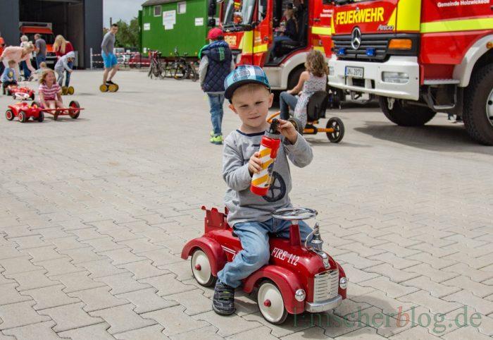 Genauso beliebt wie die großen Feuerwehrautos: das historische Feuerwehrauto von Bobbycar. (Foto: P. Gräber - Emscherblog.de)
