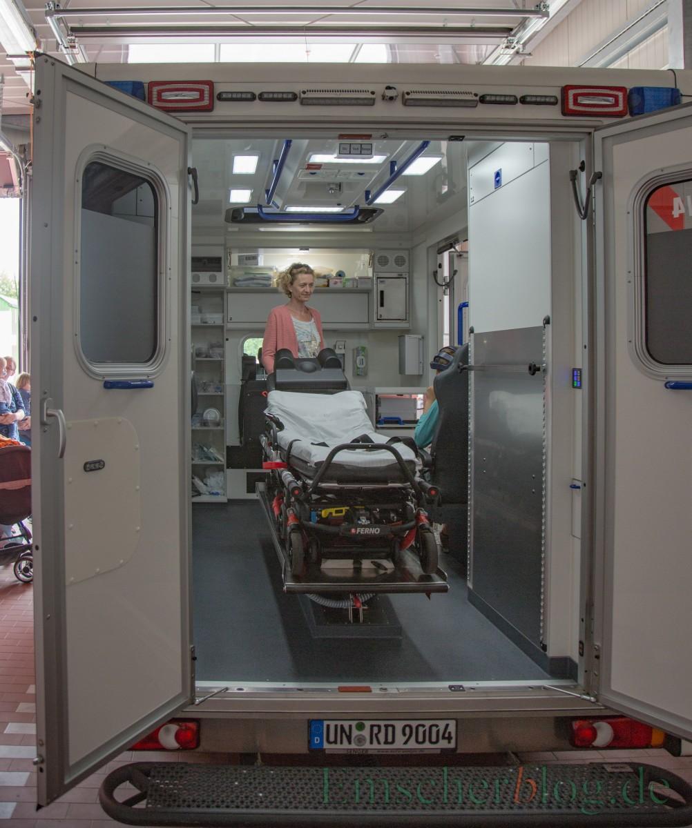 Auch die beiden Rettungswagen des Kreises Unna standen zur Besichtigung offen.  (Foto: P. Gräber - Emscherblog.de)