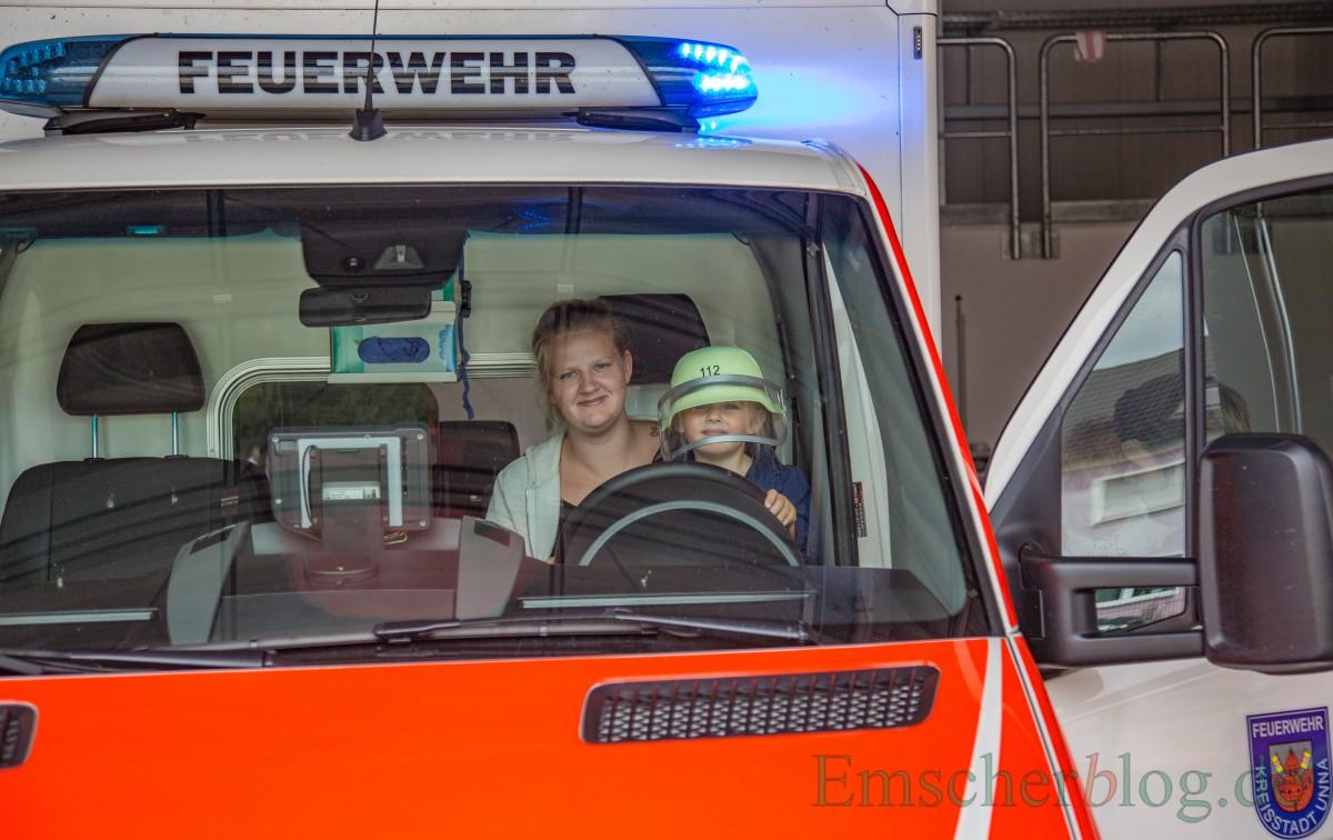 Blaulicht an - und der Helm sitzt. (Foto: P. Gräber - Emscherblog.de)