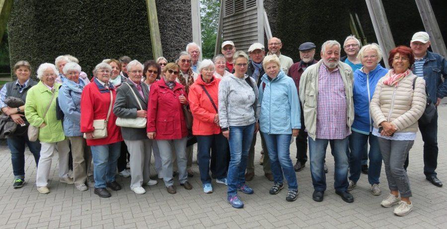 Die Gruppe des HSC-gesundheitssports bei ihrem Ausflug zur Waldbühne Heessen. (Foto: privat)