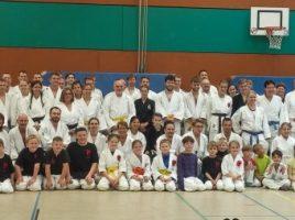 Die Teilnehmer des Jubiläums-Lehrganges des Judo Clubs Holzwickede. Foto: JCH)