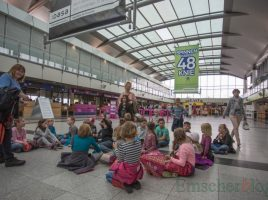 Eine Gruppe OGS-Kinder besuchte heute morgen den Flughafen Dortmund mit Führung durch die verschiedenen Bereiche des Airports. (Foto: P. Gräber - Emscherblog.de)