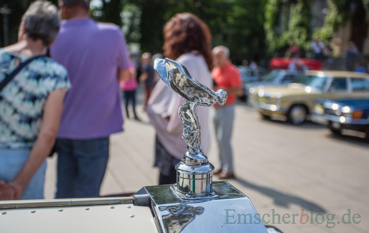 Spirit of Ecstasy ist der Name der Kühlerfigur, die seit 1911 den Verschluss des Wasserkühlers eines Rolls-Royce ziert. Diese heute auch oft nur Emily genannt Kühlerfigur war die erste, die jemals den Kühler eines in England gebauten Autos zierte.(Foto: P. Gräber - Emscherblog.de)
