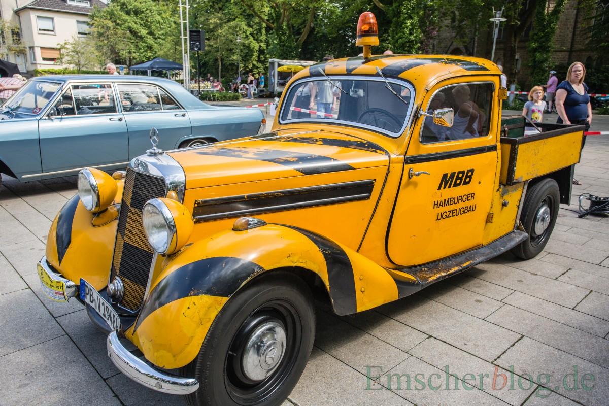 Dieser Mercedes Benz 170 V, Kasten, Bj. 1948, 1.685 ccm, 4 Zyl., 38 PS, tat bis vor zehn Jahren noch auf dem Flughafen Paderborn als Leitfahrzeug auf der Rollbahn klaglos seinen Dienst. (Foto: P. Gräber - Emscherblog.de)