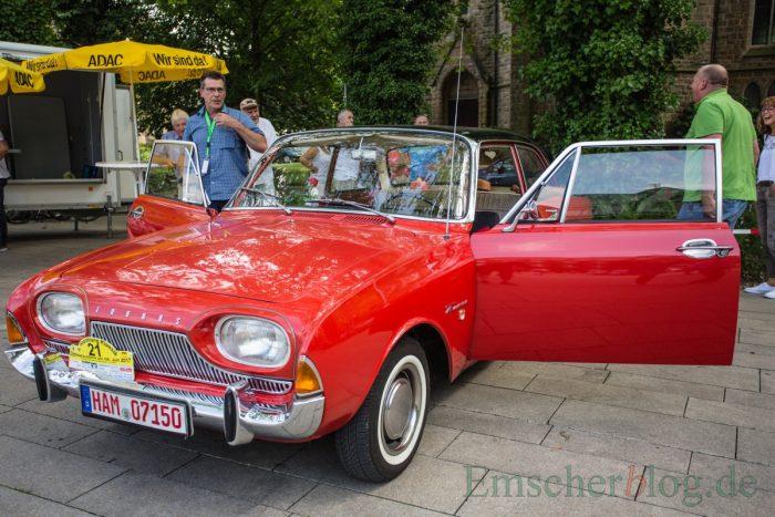"""Ein Ford Taunus 17 M (P3), Bj. 1964, 1.487 ccm, 4 Zyl., 55 PS im Volksmund wird dieser Ford auch """"Badewanne"""" genannt. (Foto: P. Gräber - Emscherblog.de)"""