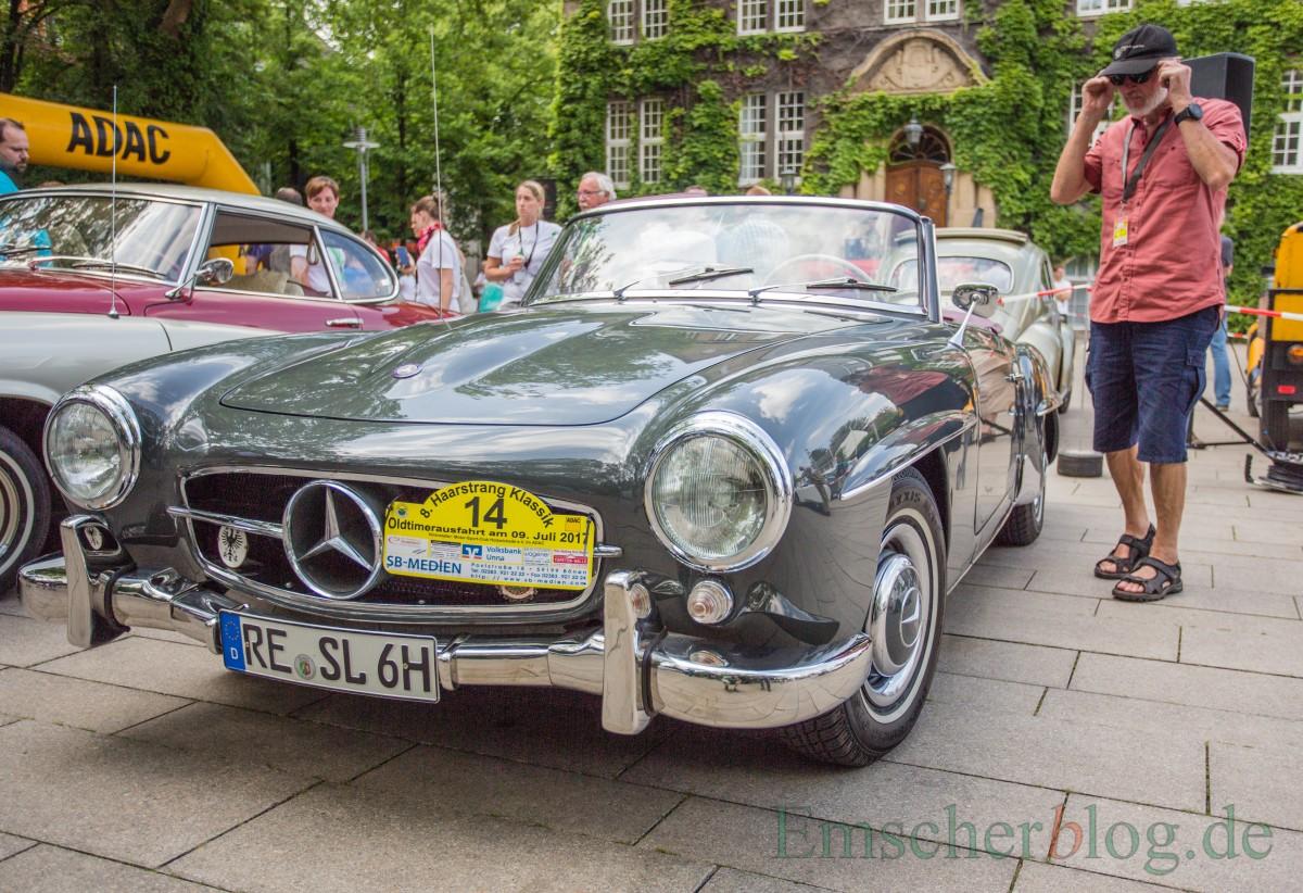 Für viele eines der schönsten Cabrios, die Mercedes je gebaut hat: ein Mercedes 190 SL, Bj. 1961, 1.897 ccm, 4 Zyl. 105 PS  (Foto: P. Gräber - Emscherblog.de)
