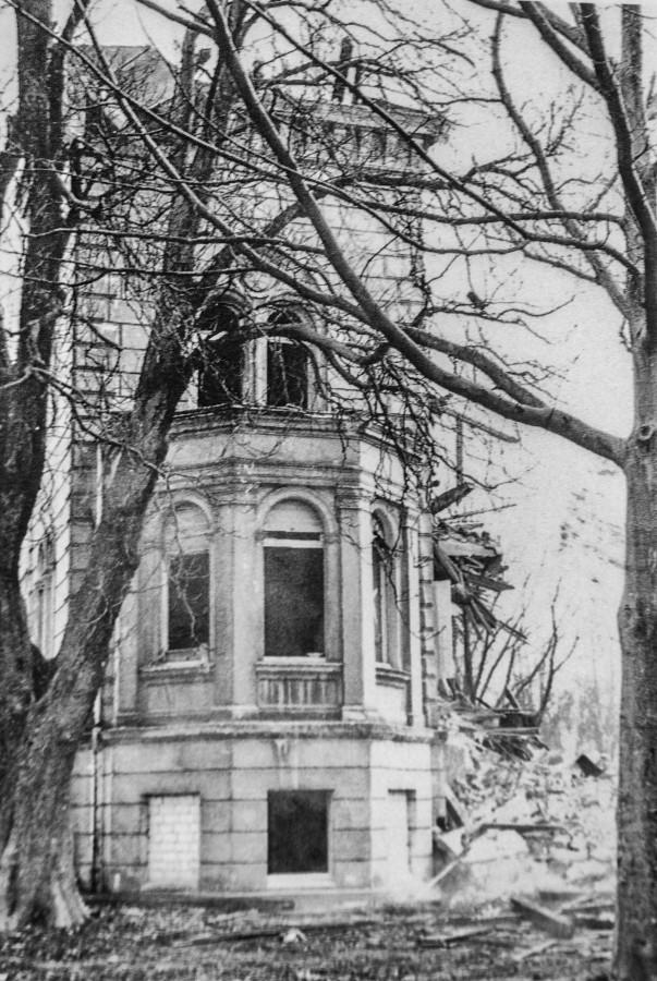 Das vermutlich einzige Foto vom Abriss Haus Dudenroths im November 1976. (Foto: Archiv)