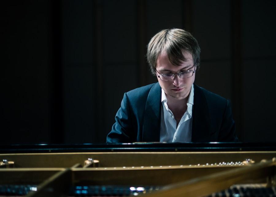 Gastiert in der kammermuskalischen Reihe des Kreises auf Haus Opherdicke: der talentierte Pianist Ilya Maximov (Foto: Konzertagentur)