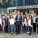 Kreis gibt Nachwuchs eine Chance: 25 junge Leute starten ins Berufsleben