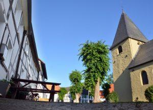 In Bönen-Flierich legen die Teilnehmer der Kreisrundfahrt einen Zwischenstopp ein. (Foto: B. Kalle – Kreis Unna)
