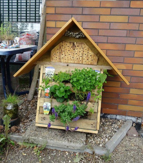 Der AK TUNa der Kreis-Grünen bietet einen Workshop zum Bau von Bienen-Tankstellen (Bild) an. (Foto: Die Grünen KV Unna)