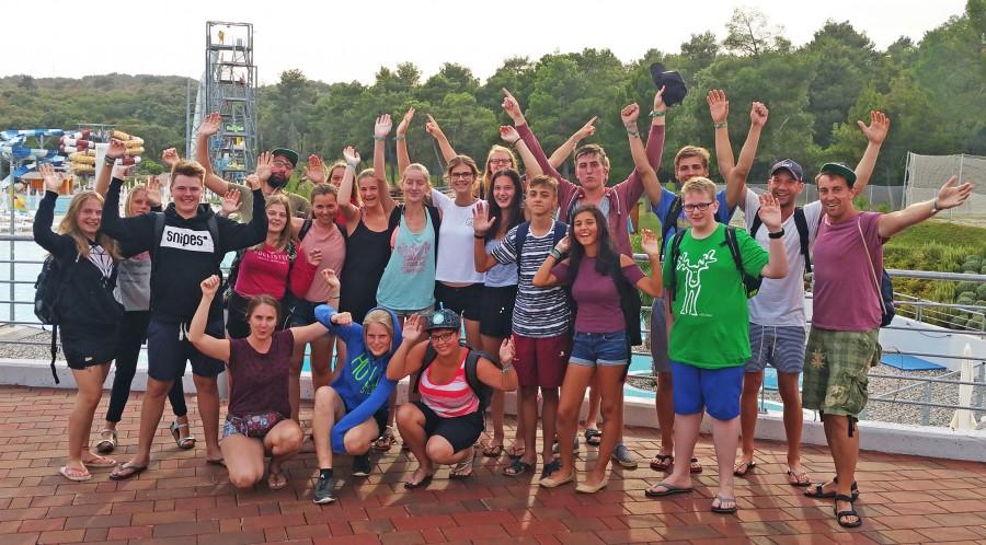 Die Holzwickede KjG-Gruppe bei einem Ausflug im Aquapark. (Foto: privat)